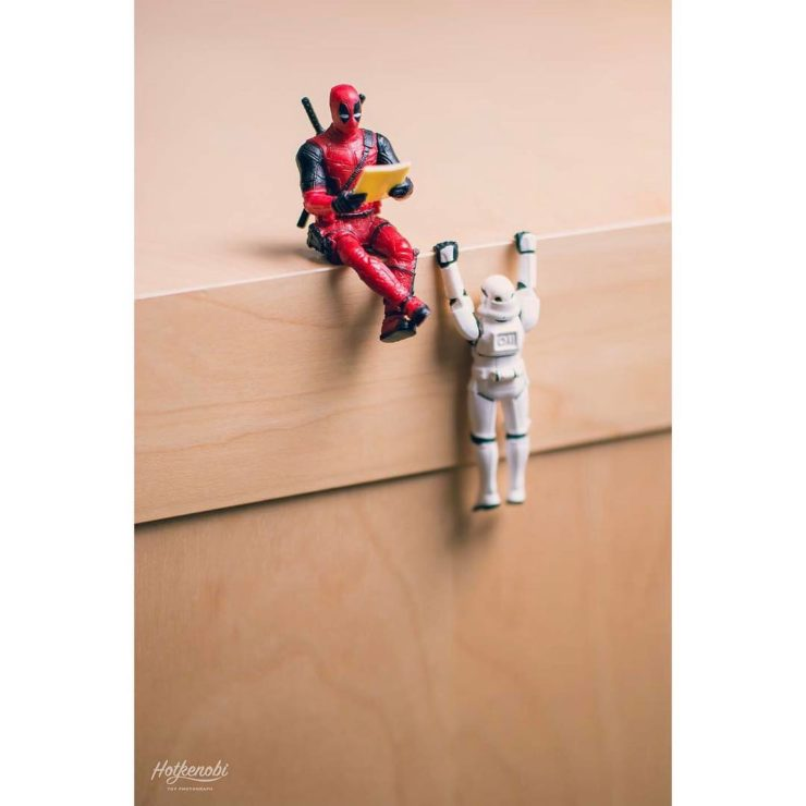 figurine deadpool et stormtrooper