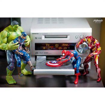 figurines hulk, spiderman, iron man, captain america