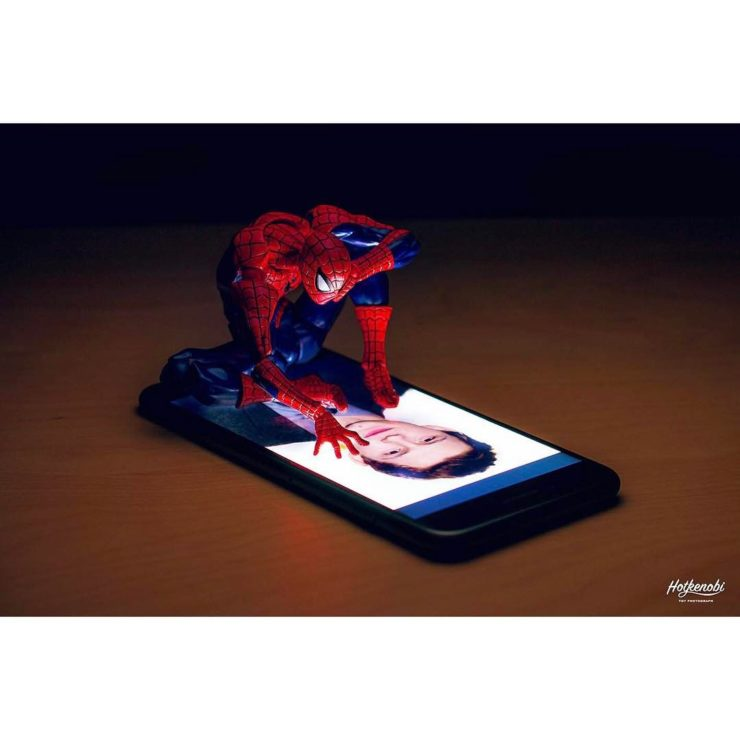 figurine spiderman art